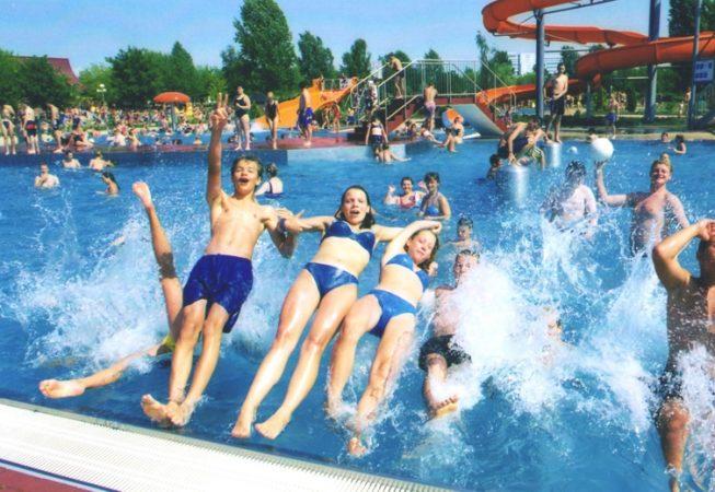 Saaleperle Bernburg 1999 Spaß an der Beckenkante