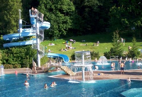 1994 … 1995 Freizeit- und Erlebnisbad Sumpfmühle Hetzdorf