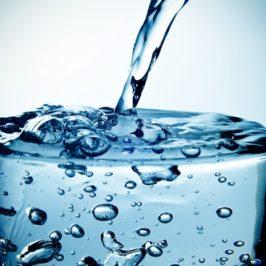Desinfektion Wasserglas