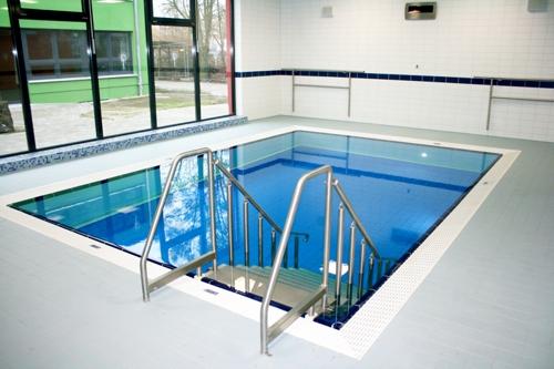 2011 … 2012 Kükelhaus-Schul-Pool mit hydraulischem Hubboden